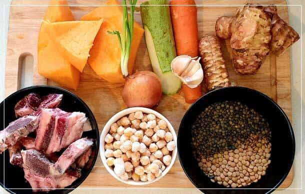 רכיבים למרק עדשים ירקות ובקר